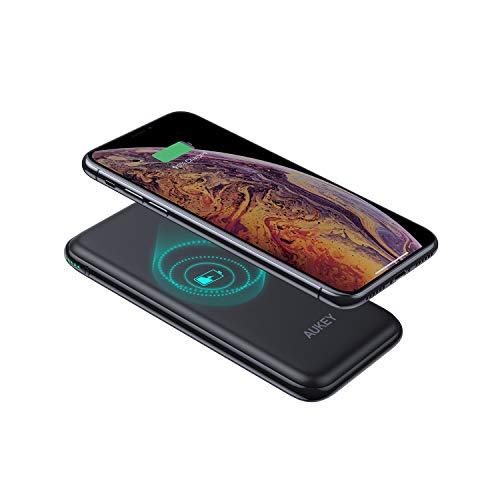 AUKEY Powerbank Wireless mit 18W Power Delivery, Qi Powerbank 8000mAh, Powerbank USB C mit Quickcharge 3.0, Wireless Charging Kompatibel mit iPhone XS/XR, Neu AirPods, Samsung