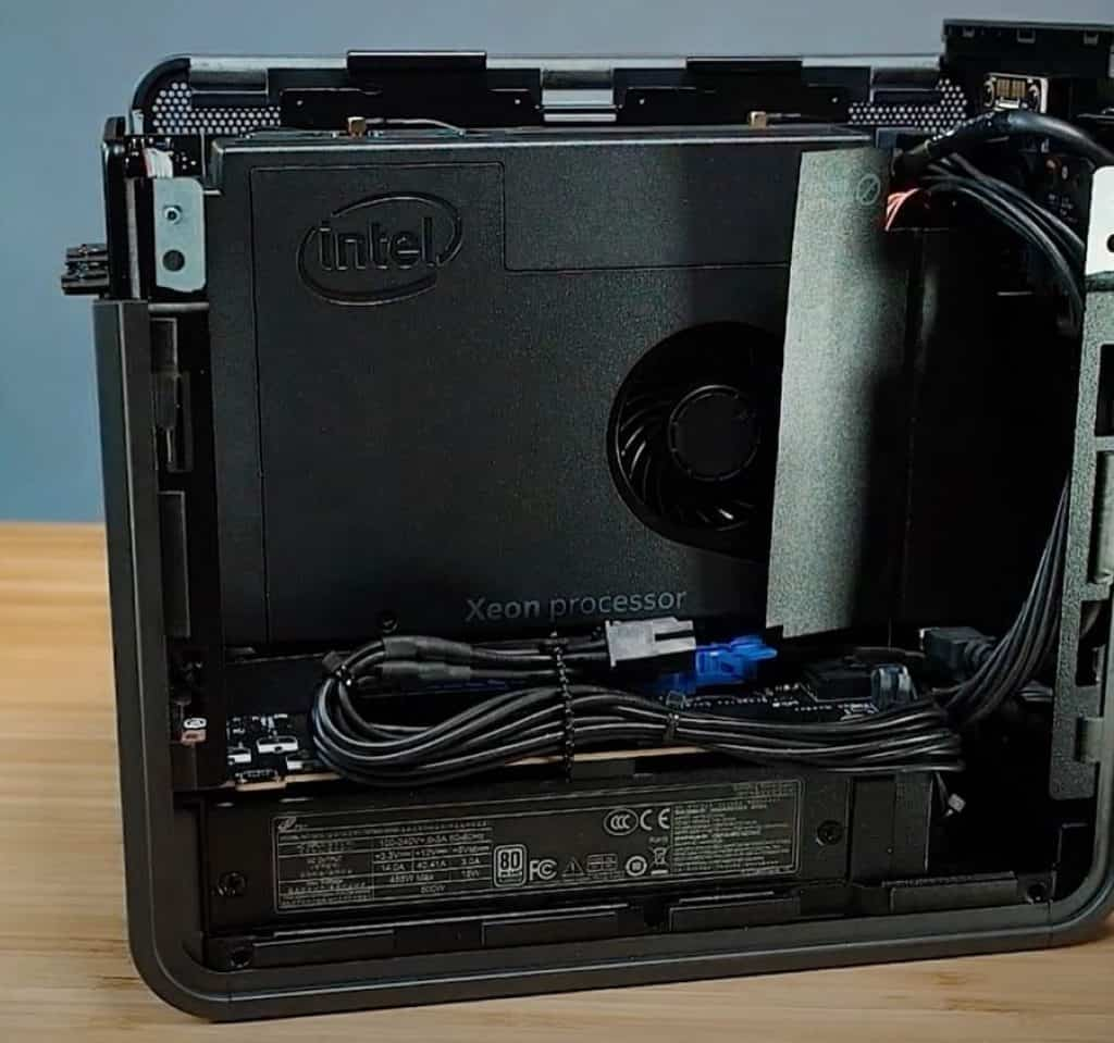 Intel NUC 9 Pro Mini PC
